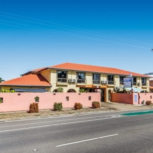 Motel Room Accommodation Townsville - Cedar Lodge Motel