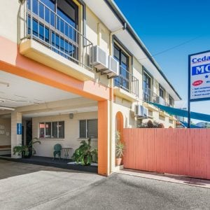 Motel Accommodation Townsville - Cedar Lodge Motel