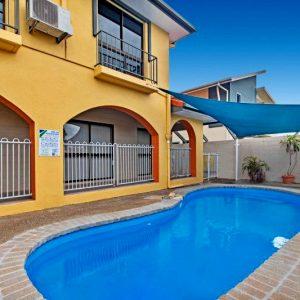 Pool cedar - Motel Accommodation Townsville - Cedar Lodge Motel